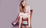 blondes women dress vintage models celebrity chairs artwork chlo grace moretz 1920x1200 wallpap_www.wallpaperfo.com_97